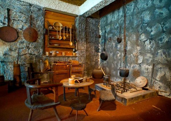Arheološka zbirka Franjevačkog samostana u Sinju