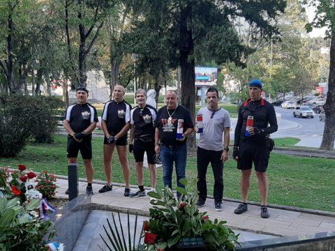 biciklicsti ultramaratona odaju pocast braniteljima