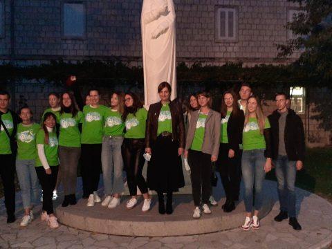 volonteri projekta 72 sata i gradonacelnica